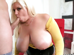 Tiffany Blake with obese butt knows no limits when it comes to taking cum shot at more than say no to face