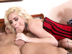 Diamond Foxxx finds him erotic and takes his everlasting pole