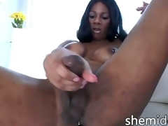 Black tranny jerkingoff off her monster